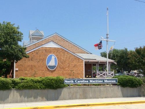 North_Carolina_Maritime_Museum_ Beaufort_Exterior_500x375